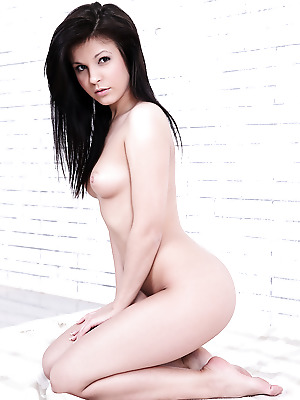 Watch4Beauty  Tyna  Erotic, Softcore, Casting
